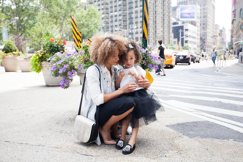 シングルマザーが再婚するために必要なこと【まずは苗字を変えて自立しよう】