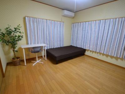 D号室 明るいゆったり洋室。