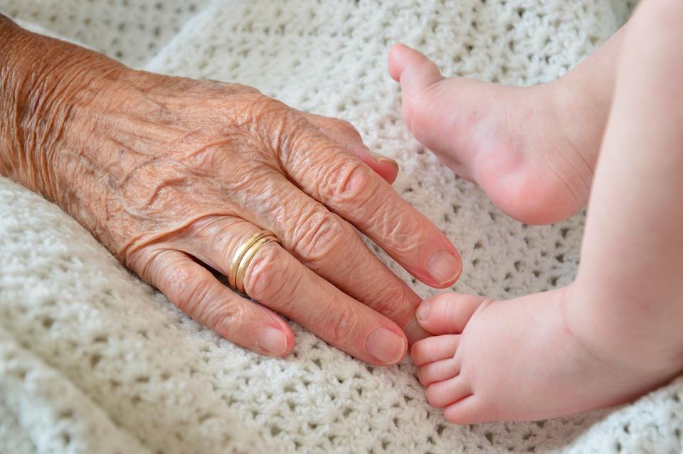 孫の成長を楽しみにしていた母の支えと死