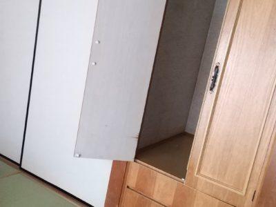101号室に造り付タンスと大きな押し入れがあります。アレルギーの心配がほとんどないDAIKEN和紙畳で表替えしました。