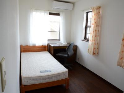 2階の部屋「201室(ミザール)」