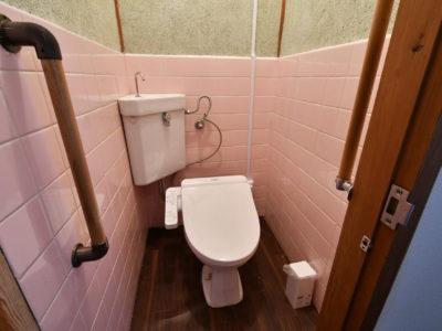 トイレ 小さい子供用にオマルもご用意あります