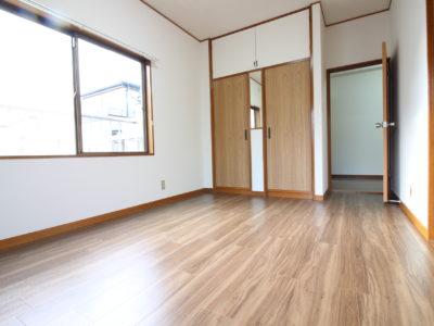 2号室(ベランダあり・日当たり良好)