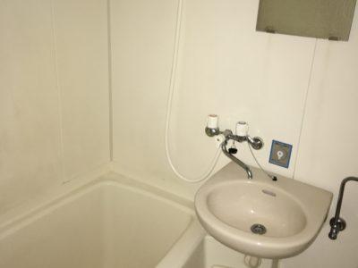 202号室バストイレ(独立していません)