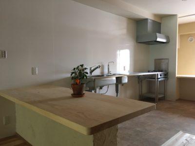 1階キッチン(2021年10月1日オープン予定)